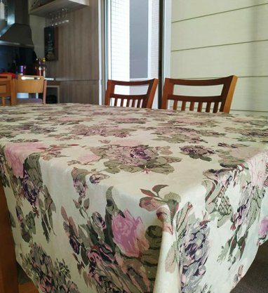 Toalha de Mesa 1.80x1.80 cm Floral Rosa