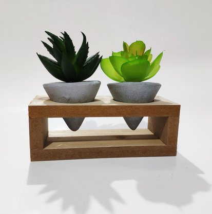Vaso Concreto Wood Support Cone com Planta